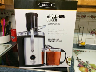 Juicing with Bella