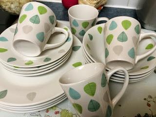 Giveaway – Premier Housewares Green Leaf Dinner Set