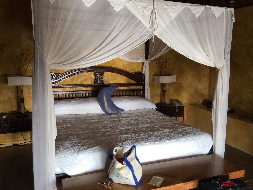 Laluna bedroom
