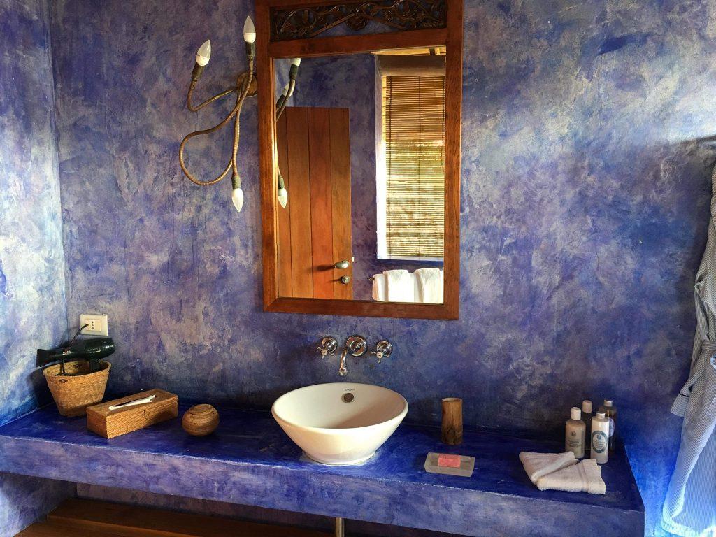 Laluna bathroom